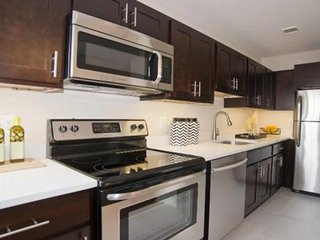 Furnished 1-Bedroom Apartment at Bancroft Pl NW & Phelps Pl NW Washington - Rosslyn vacation rentals
