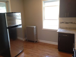 Furnished 3-Bedroom Apartment at W Lawrence Ave & N Lowell Ave Chicago - Lawrence vacation rentals