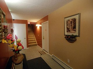 Furnished Studio Townhouse at Monroe Ave & Mt Eden Pkwy Bronx - Rochester vacation rentals