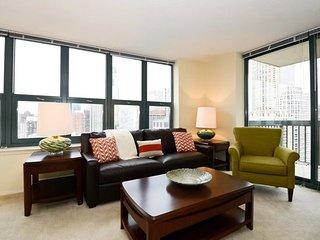 Furnished 2-Bedroom Apartment at Davis St & Chicago Ave Evanston - Evanston vacation rentals