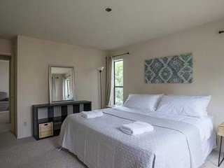 2 bedroom Apartment with Internet Access in Millbrae - Millbrae vacation rentals