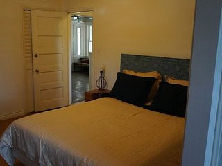 Charming 2 bedroom Los Angeles House with Internet Access - Los Angeles vacation rentals