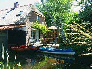 Giethoorn Lodge (Luxury Holiday Home) - Giethoorn vacation rentals