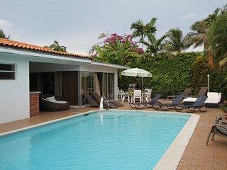 MiamiBeach,Pool, Oct 12 to Nov 23  2650 wk - North Miami vacation rentals