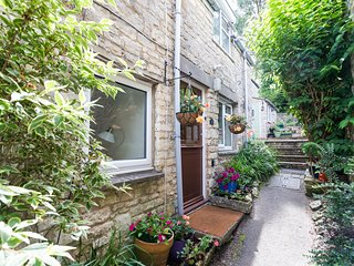 Cotswold Retreat - Uley - Sleeps 6 - Uley vacation rentals
