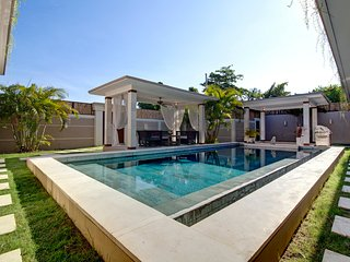 SEMINYAK Amazing 3BR Villa **PROMO MARCH/APRIL** Jacuzzi Pool-bar Exotic Garden - Seminyak vacation rentals