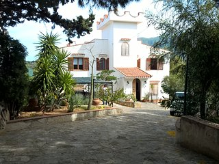 "Casa vacanze ""Bella vista"" - Castellammare del Golfo vacation rentals"