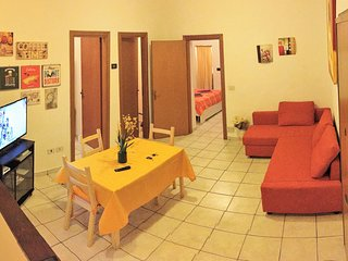 Beautiful 2 bedroom Bologna Condo with Microwave - Bologna vacation rentals