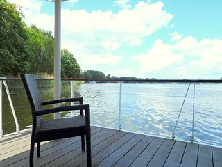 Nice Houseboat with Television and Water Views - Hennigsdorf vacation rentals
