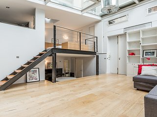 Lovely Bright Loft in the 7th - Bon Marché - Paris vacation rentals