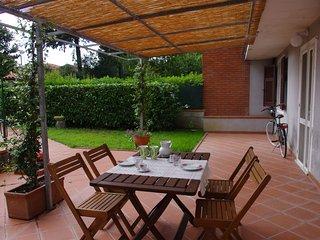 Cozy 2 bedroom Vacation Rental in Castelnuovo Magra - Castelnuovo Magra vacation rentals