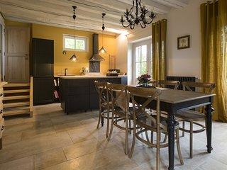 Gîte de Charme - Le Pigeonnier Colbert - Pontigny vacation rentals