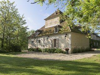 Gîte de Charme - Le Pigeonnier Colbert - Yonne - Pontigny vacation rentals