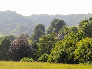 Marlings End, secluded house at Owlpen, Cotswolds - Tetbury vacation rentals