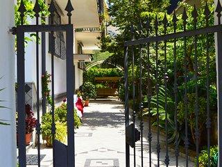"Accordion Residence ""Green Apartment"" - Fondi vacation rentals"