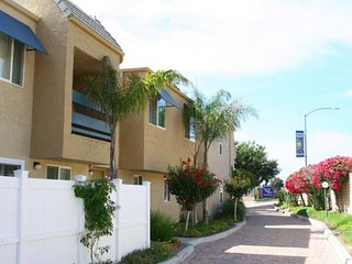 Beautiful Resort with A/C and Shared Outdoor Pool - Solana Beach vacation rentals