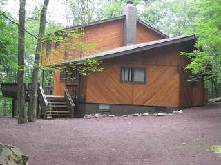 4 bedroom House with Internet Access in Lake Harmony - Lake Harmony vacation rentals