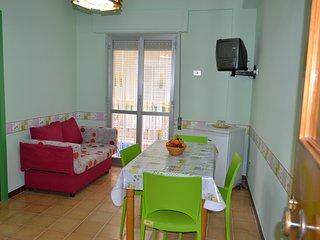 Appartamento ristrutturato zona Terme - Margherita di Savoia vacation rentals