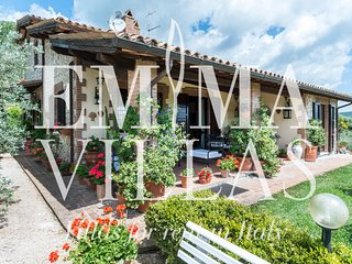 Perfect 4 bedroom Todi Villa with Internet Access - Todi vacation rentals