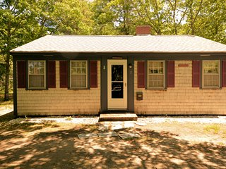15 Howes Rd - Walk to Parkers River - ID# 815 - South Yarmouth vacation rentals