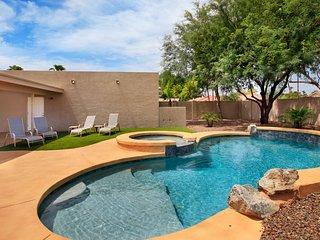 Putting Green & Heated Pool -Near Kierland Common - Scottsdale vacation rentals