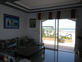 Joli Cabanon Pied dans l'eau / Plage de Manesman - Mohammedia vacation rentals