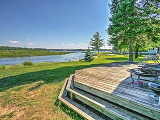 Outstanding Location- 2BR Hale Cabin w/Access to Long Lake & Amazing Views! - Hale vacation rentals