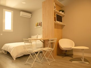 Cozy studio in the center - Madrid vacation rentals