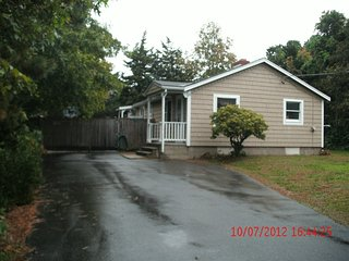 Affordable Cape Cod Family Getaway -Walk to Beach - Falmouth vacation rentals
