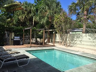 Spectacular Beach Bungalow steps to Ocean &  shops - Fort Lauderdale vacation rentals