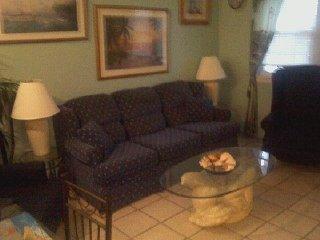 675ft2 - 1 bedrm condo 2 blocks to the beach - Virginia Beach vacation rentals