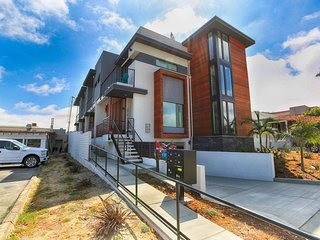 Brand new! Modern Luxury Bay/City View Townhome - Pacific Beach vacation rentals