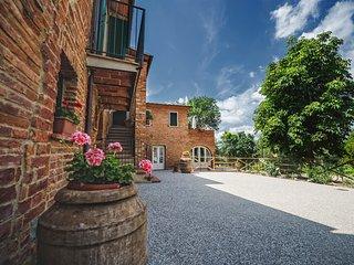 La Lisa: appartamenti in un casale di campagna - Foiano Della Chiana vacation rentals