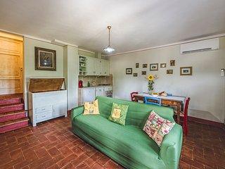 Trilocale Iole in casale di campagna - Foiano Della Chiana vacation rentals