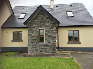 Inishcrone Holiday Home to Let - Inishcrone vacation rentals