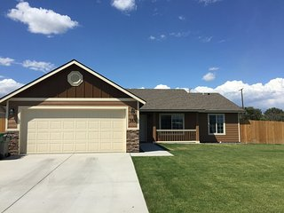 3 bedroom House with Internet Access in Kennewick - Kennewick vacation rentals