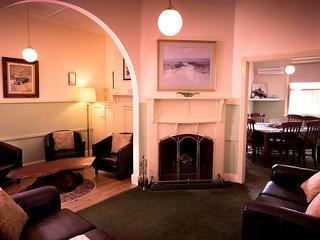 "Linga Longa Sleeps 8, 4 Bedrooms ""Devonia Cottage"" - Hepburn Springs vacation rentals"
