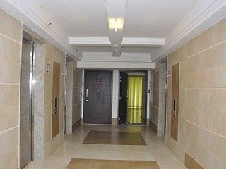 Bright 5 bedroom Condo in Chennai (Madras) - Chennai (Madras) vacation rentals