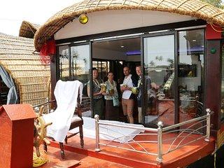 KV houseboats Alleppey to Kumarakom - Alappuzha vacation rentals