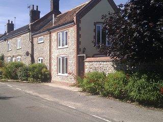 Rose Cottage, 2-bed dog-friendly enclosed garden - Gimingham vacation rentals