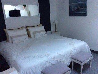 Villa Bianca ( chambre  salon) - Gujan-Mestras vacation rentals
