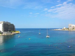 Sea front, luxury 2 bed room, apartment, free wifi - Saint Julian's vacation rentals