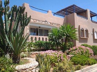 Villa de luxe, village sécurisé, sur la plage - Mirleft vacation rentals
