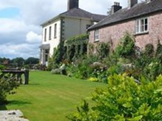 Spacious Condo with Washing Machine and Television - Enniskillen vacation rentals
