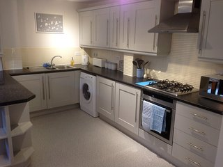 Modern clean duplex apartment close to city centre - Sheffield vacation rentals