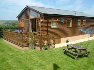 3 bedroom Holiday Lodge just minutes to the beach! - Croyde vacation rentals