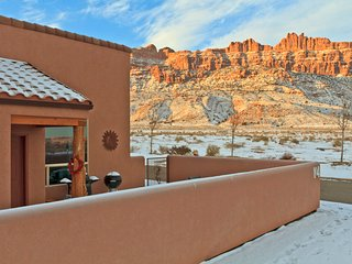 No fee!  3BR with fireplace, hot tub, rim views! - Moab vacation rentals