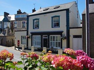 Hen Bost Nefyn: Beach, Coastal Path & Restaurants - Nefyn vacation rentals