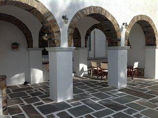 Villa Maria in Tinos - Isa House - Exomvourgo vacation rentals