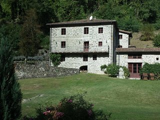 Bright 5 bedroom Vacation Rental in Barga - Barga vacation rentals